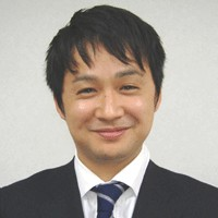 山田顔写真.png
